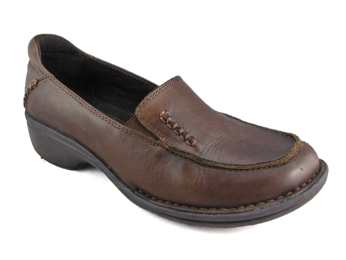 clarks mills milf women Clarks, located at the mills at jersey gardens®: clarks footwear is all about style and all about comfort as we see it women women's clothing see more.